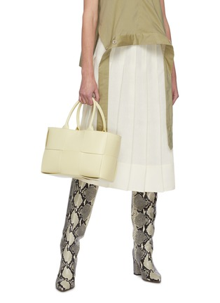 Figure View - Click To Enlarge - BOTTEGA VENETA - Small Arco' intrecciato leather tote bag