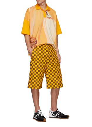 Figure View - Click To Enlarge - JW ANDERSON - Chess board check print skater shorts