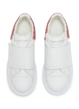Detail View - Click To Enlarge - ALEXANDER MCQUEEN - 'Molly' contrast heel tab velcro oversized sole Todder and Kids sneakers