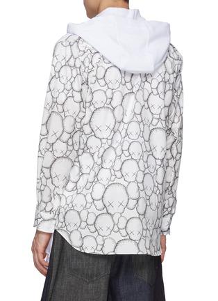 Back View - Click To Enlarge - COMME DES GARÇONS SHIRT - Comme Des Garçons x Kaws Print Sleeves Asymmetrical Length Hoodie
