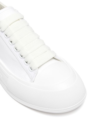 Detail View - Click To Enlarge - ALEXANDER MCQUEEN - 'Deck Plimsoll' lace-up sneakers