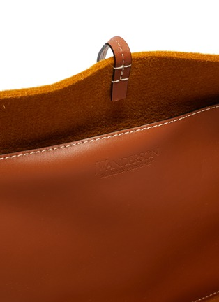 Detail View - Click To Enlarge - JW ANDERSON - 'Belt' Anchor Logo Embroidery Leather Handle Felt Tote