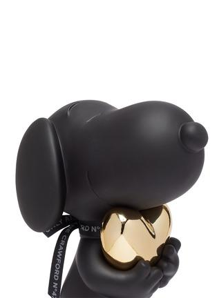 Detail View - Click To Enlarge - LEBLON DELIENNE - Snoopy Heart Sculpture – Matt Black / Chromed Gold