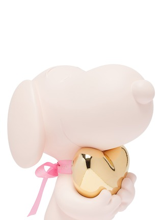Detail View - Click To Enlarge - LEBLON DELIENNE - Snoopy Heart Sculpture – Matt Pink / Chromed Gold