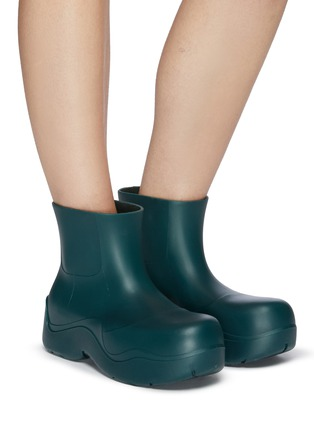 Figure View - Click To Enlarge - BOTTEGA VENETA - Puddle' Rubber Ankle Boots