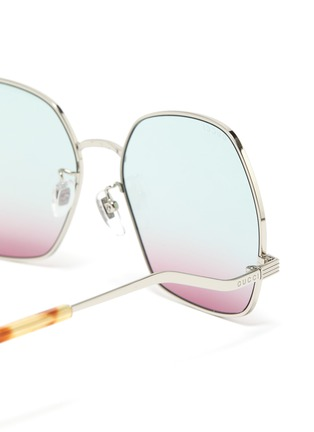 Detail View - Click To Enlarge - GUCCI - Wavy Temple Angular Metal Frame Sunglasses