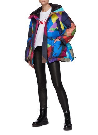 Figure View - Click To Enlarge - SACAI - x KAWS Vibrant Camouflage Print Puffer Jacket