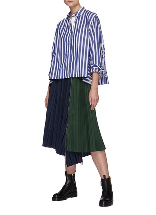 Figure View - Click To Enlarge - SACAI - Zip Detail Duo-tone Pleated Midi Skirt
