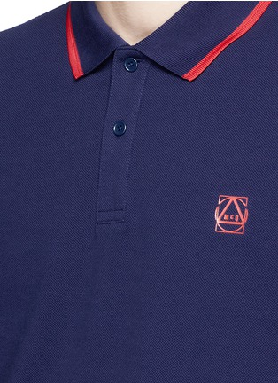 Detail View - Click To Enlarge - McQ Alexander McQueen - Geometric logo cotton polo shirt