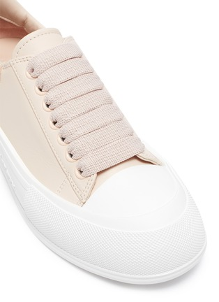 Detail View - Click To Enlarge - ALEXANDER MCQUEEN - Deck Plimsoll' Low Top Leather Sneakers