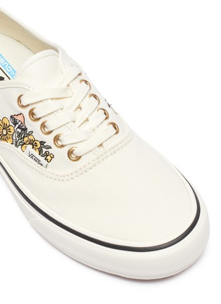 Detail View - Click To Enlarge - VANS - AUTHENTIC SF' FLORAL LOW TOP LACE UP SNEAKERS