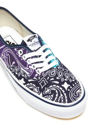 Detail View - Click To Enlarge - VANS - OG Authentic LX' Bandana Print Low Top Lace Up Sneaker