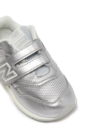 Detail View - Click To Enlarge - NEW BALANCE - Leather '997' Low Top Velcro Perforated Sneakers