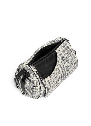 Detail View - Click To Enlarge - Vintage Chanel - Bouclé lace barrel bag