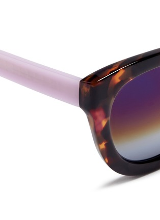 Detail View - Click To Enlarge - Matthew Williamson - Contrast temple tortoiseshell acetate mirror sunglasses