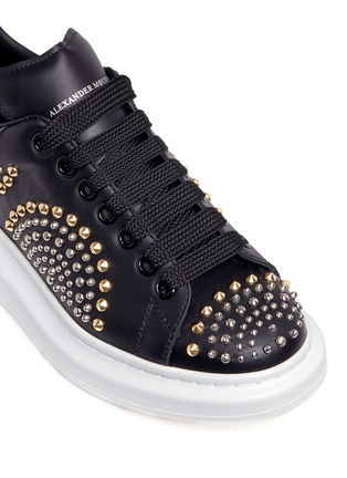 Detail View - Click To Enlarge - Alexander McQueen - Chunky outsole mix stud leather sneakers