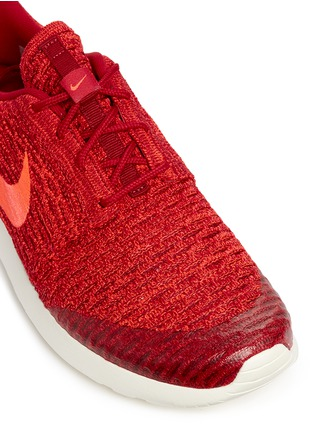 Detail View - Click To Enlarge - Nike - 'Roshe Flyknit' sneakers
