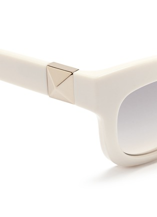 Detail View - Click To Enlarge - Valentino - 'Rockstud' chunky cat eye frame acetate sunglasses