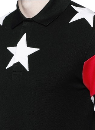 Detail View - Click To Enlarge - Givenchy Beauty - Star appliqué colourblock polo shirt