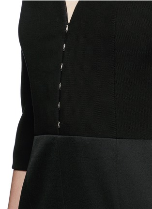 Detail View - Click To Enlarge - ALEXANDER MCQUEEN - Hook-and-eye front cotton piqué dress