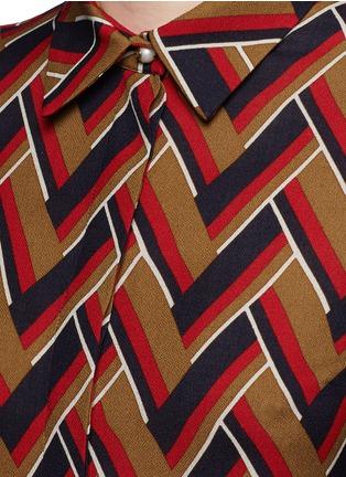 Detail View - Click To Enlarge - GUCCI - Chevron stripe silk-wool shirt
