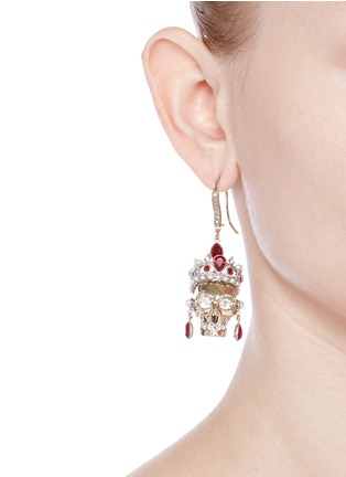 Figure View - Click To Enlarge - Alexander McQueen - Swarovski crystal royal skull earrings