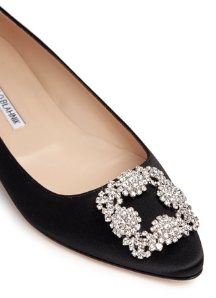 Detail View - Click To Enlarge - Manolo Blahnik - Hangisi' crystal brooch satin skimmer flats