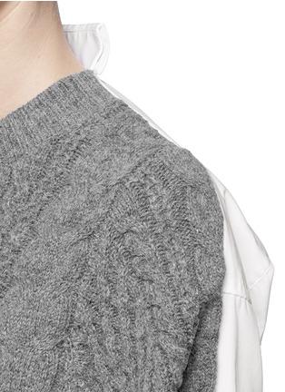 Detail View - Click To Enlarge - sacai - Cable knit panel poplin shirt with plissé chiffon wrap skirt