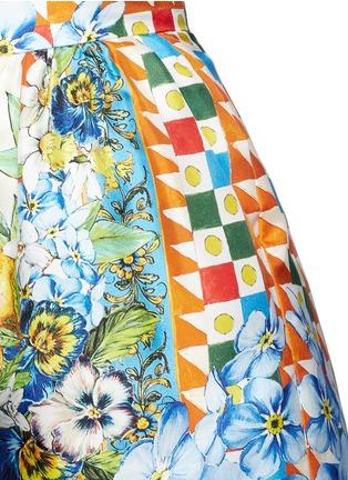 Detail View - Click To Enlarge - Dolce & Gabbana - Orange floral foulard print silk twill shorts