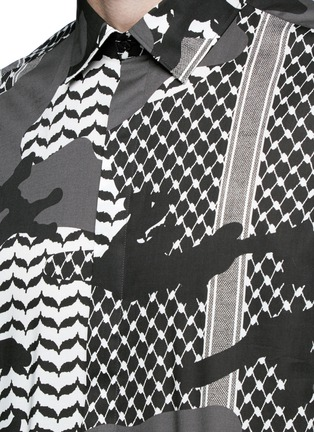 Detail View - Click To Enlarge - Neil Barrett - Keffiyeh check camouflage print cotton shirt