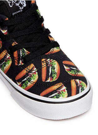 Detail View - Click To Enlarge - Vans - 'Half Cab Late Night' hamburger print toddler sneakers