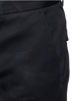 Detail View - Click To Enlarge - Valentino - 'Camu Noir' cotton twill pants