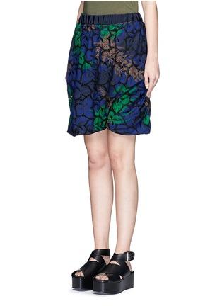Front View - Click To Enlarge - Sacai - Floral print cutout guipure lace bubble shorts
