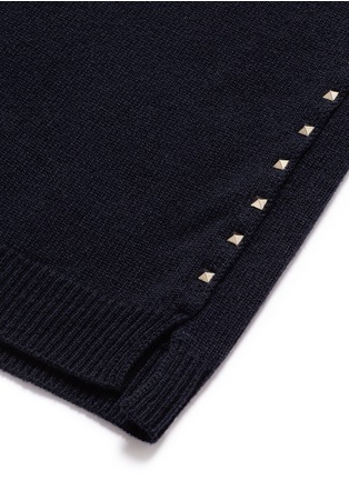 Detail View - Click To Enlarge - VALENTINO - 'Rockstud Untitled 07' cashmere sweater
