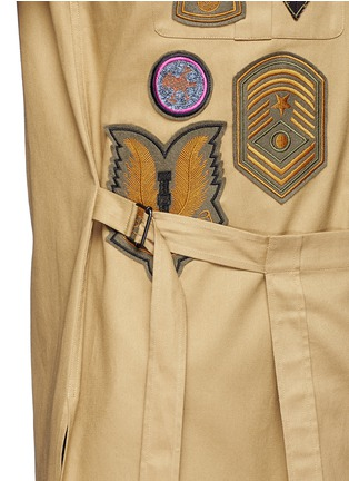 Detail View - Click To Enlarge - Dries Van Noten - 'Cameron' military badge shirt