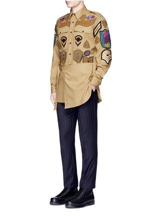 Figure View - Click To Enlarge - Dries Van Noten - 'Cameron' military badge shirt