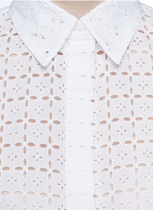 Detail View - Click To Enlarge - Alaïa - Broderie anglaise drawstring hem cropped shirt