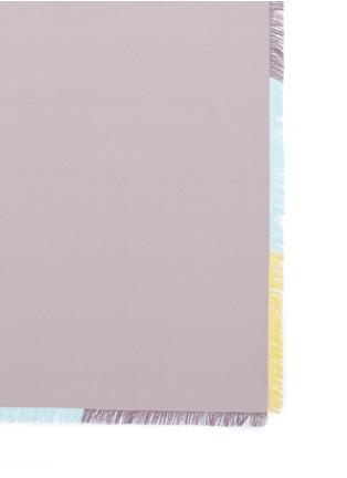 Detail View - Click To Enlarge - Franco Ferrari - Contrast frayed trim silk twill scarf