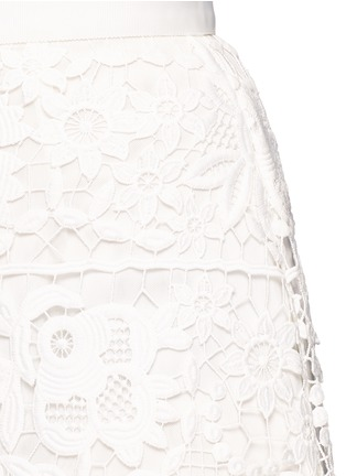 Detail View - Click To Enlarge - self-portrait - Geometric floral lace skirt