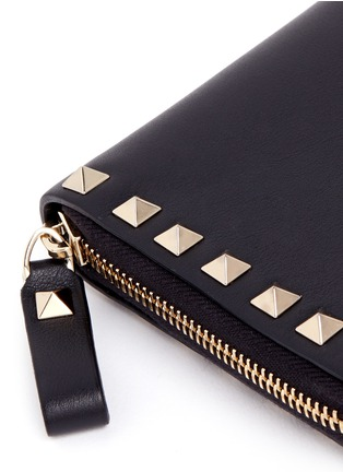 Detail View - Click To Enlarge - Valentino - 'Rockstud' leather zip continental wallet