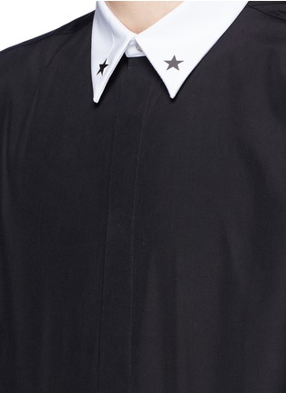Detail View - Click To Enlarge - Givenchy - Star stud piqué trim poplin shirt