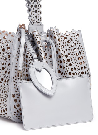 Detail View - Click To Enlarge - Alaïa - 'New Vienne' medium lasercut leather bucket tote