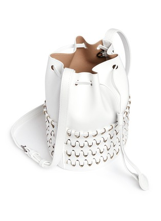 Detail View - Click To Enlarge - Alaïa - 'Charniere' small woven base leather bucket bag