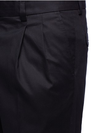 Detail View - Click To Enlarge - - - Slim fit pleated cotton pants