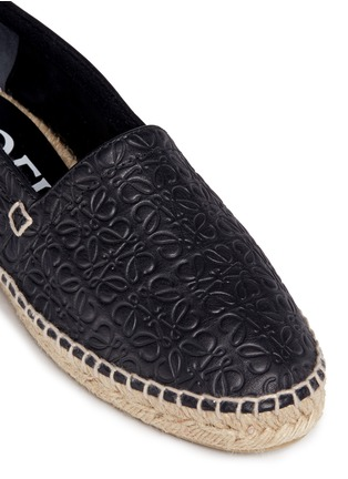Detail View - Click To Enlarge - 90119 - x John Allen engraved anagram leather espadrilles