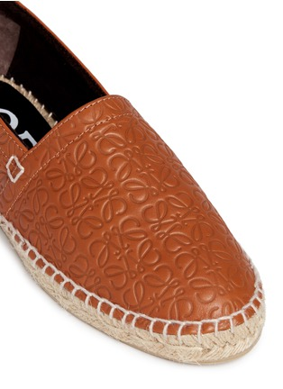 Detail View - Click To Enlarge - Loewe - x John Allen engraved anagram leather espadrilles