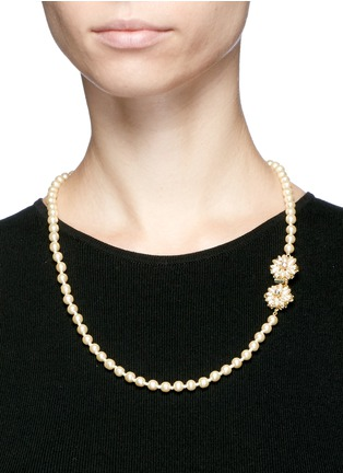 Figure View - Click To Enlarge - Miriam Haskell - Filigree floral clasp Baroque pearl necklace