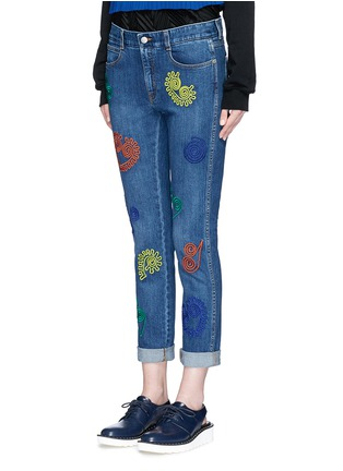 Front View - Click To Enlarge - Stella McCartney - Swirl heart embroidery dark wash boyfriend jeans