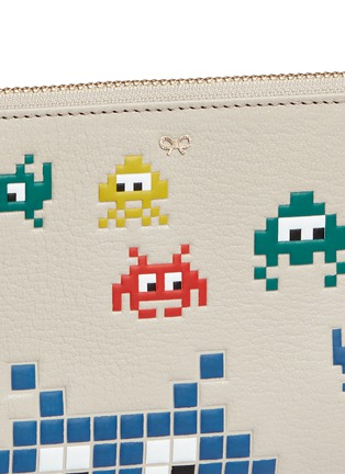 Detail View - Click To Enlarge - ANYA HINDMARCH - 'Space Invasion Loose Pocket' small leather zip pouch