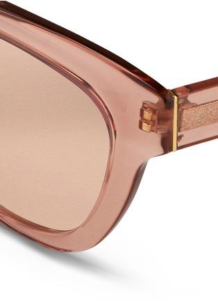 Detail View - Click To Enlarge - Linda Farrow - Transparent acetate cat eye mirror sunglasses